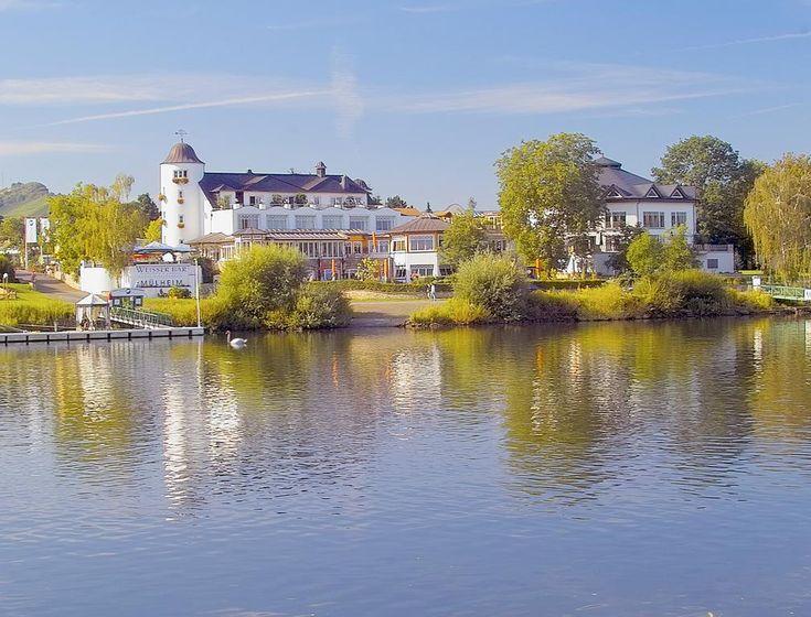Booking.com: Hotel Weisser Bär - Mülheim an der Mosel, Duitsland