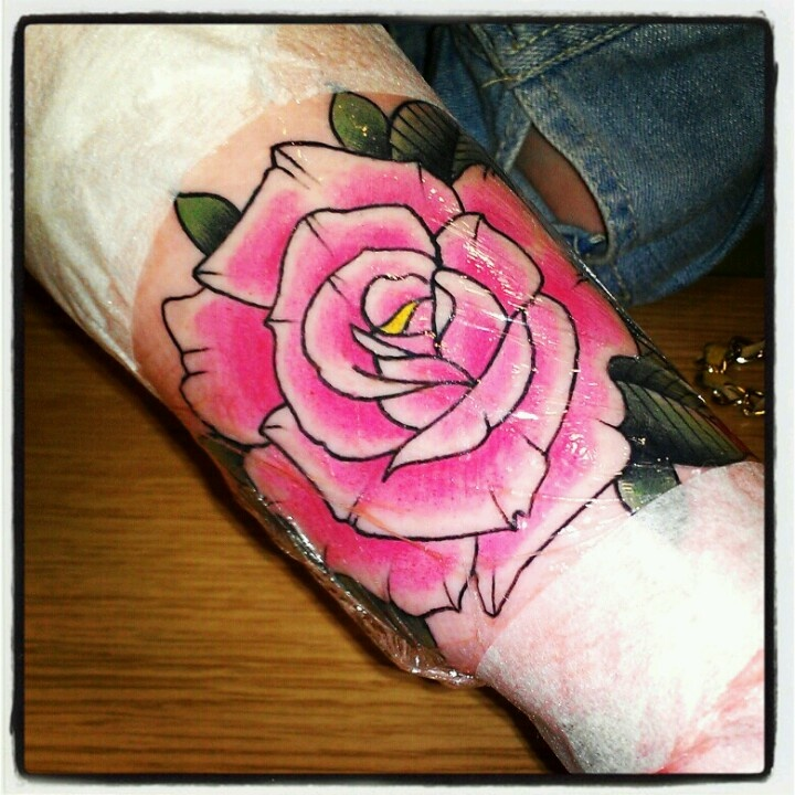 i kind of like this traditional rose for my tattoo for my grandma..