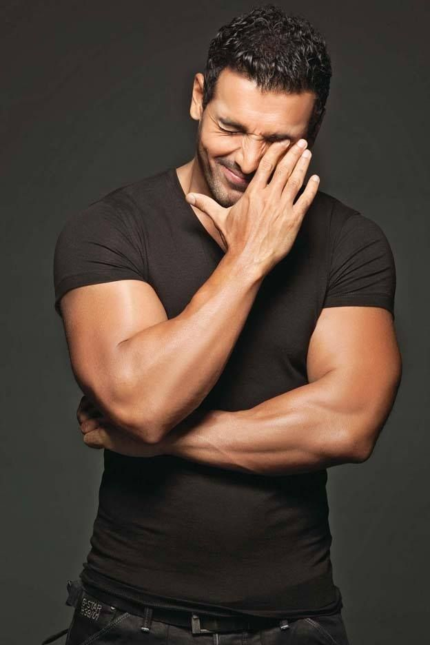 John Abraham get more hd wallpapers click here http://picchike.blogspot.com/