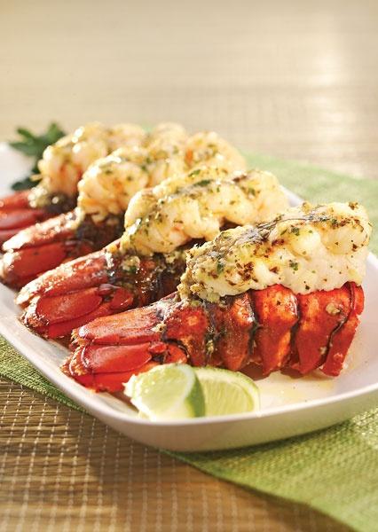 Recette de : Queues de homard grillées, beurre au gingembre et à la lime
