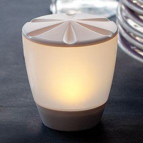 Belle lampe à poser LED solaire Turner, référence 3012239 - Lampes décoratives pour l'extérieur : guirlandes lumineuses, lampes solaires à découvrir chez Luminaire.fr !