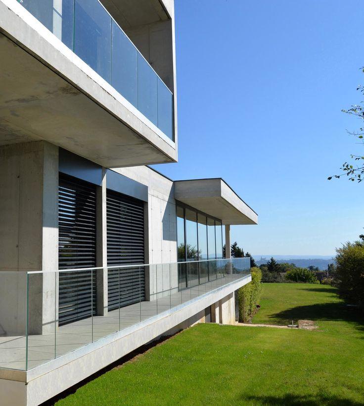 Architecte maison lyon patio autour du0027une piscine for Architecte maison individuelle lyon