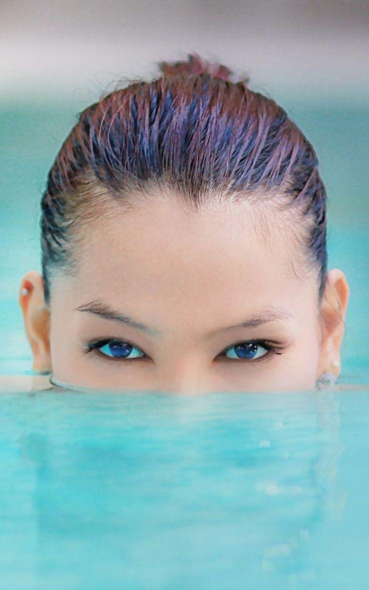 Girls iPhone 6 Plus Wallpapers Blue Eyed Girl Pool