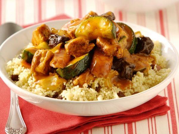 Toevoegen aan mijn receptenMaak nu eenvoudig deze heerlijke en kruidige kip tajine met dit recept. Het zit vol met groenten en smaakt heerlijkmet couscous.