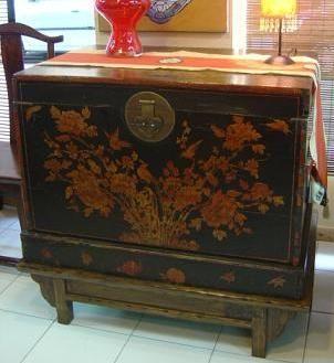 Ba l de madera pieza antigua pintado a mano origen - Baules pintados a mano ...