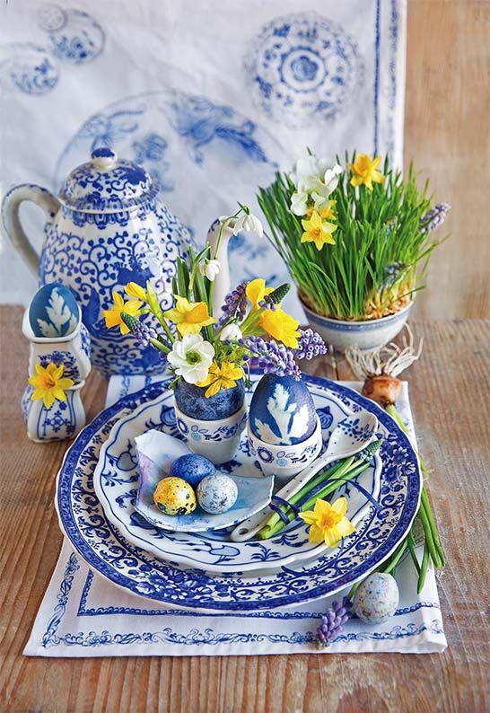 Stroik wielkanocny. More easter ideas/więcej wielkanocnych inspiracji: http://www.werandacountry.pl/zrob-to-sam/dekoracje/17201-pomysly-na-dekoracje-wielkanocne Zdjęcia i stylizacja: Kinga Błaszczyk-Wójcicka, Anna Simon. #Easter #eggs #ideas #DIY #decorate #home #trends #spring #Wielkanoc #dekorowanie #stroiki #ozdoby #wielkanocne #kwiaty #jajka #pisanki #malowanie #jaja #rękodzieło #własnoręcznie #bibeloty #wielkanocna #dekoracja #pomysły #śmigus #wiosna #Polska #country #swojskie