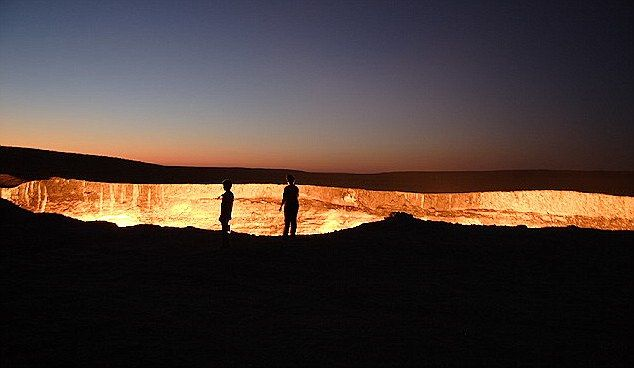 The Door to Hell: Take a look inside a giant hole in the desert which has been on fire for more than 40 YEARS: Karakum Desert, 15 Strange Places On Earth 1, The Doors, 40 Years, Hells Gates, Burning Today, 16 Places, Bizarre Places, Flames Crater