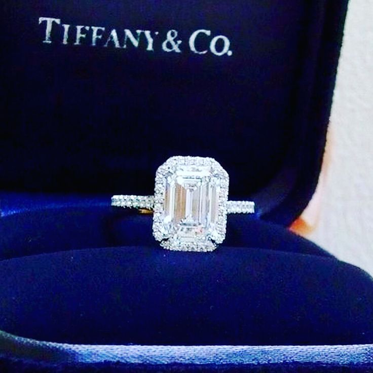 """- Style Estate (@styleestate) on Instagram: """"Gorgeous #diamondring @tiffanyandco #Engagements @styleestate are 'contractually' ✍️structured…"""""""