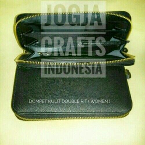 Dompet wanita bahan kulit