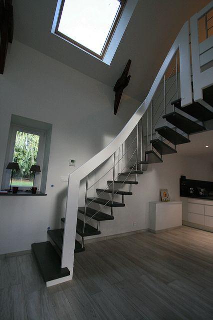 les 95 meilleures images propos de escaliers noir blanc sur pinterest appartements. Black Bedroom Furniture Sets. Home Design Ideas