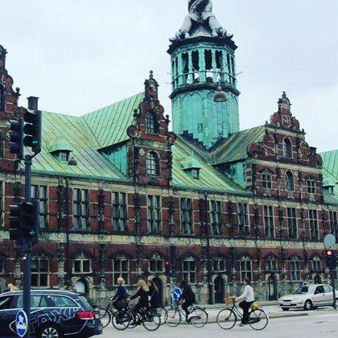 The world's oldest stock exchange. #Copenhagen #travel #architecture #scandinavia #pic #photo #travelgram #foto #photography #picoftheday #Denmark www.globetrotterguru.com
