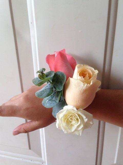 CBL142 Riviera Maya Weddings bodas / corsage coral