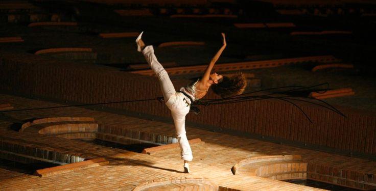 Domenica 20 luglio ore 21.00, Torre Asquina LITTLE NEMO l'acrobazia coreografica di Danza Verticale (1)  Dai voli rinascimentali di Tintoretto ai paesaggi urbani di Winsor McCay, disegnatore americano degli inizi del '900. La prospettiva classica diventa movimento audace.