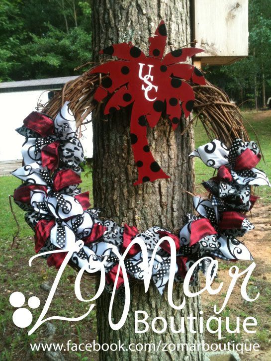 USC Wreath  Go Gamecocks by ZoMarBoutique on Etsy, $45.00  This would be a great chinese auction gift seeing how my whole family is gamecock fans.