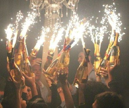 Experience the VIP treatment without breaking the bank when you attach these bottle sparklers to your favorite alcoholic beverage.These glorified fireworks emit a shower of eye catching sparks that shoot 8 inches up and burn for 45 seconds.