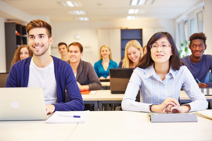 Ein duales Studium bietet vielen jungen Menschen die perfekte Kombination aus Theorie und Praxis. Unser Ratgeber zeigt, worauf es dabei zu achten gilt.  http://karrierebibel.de/duales-studium/