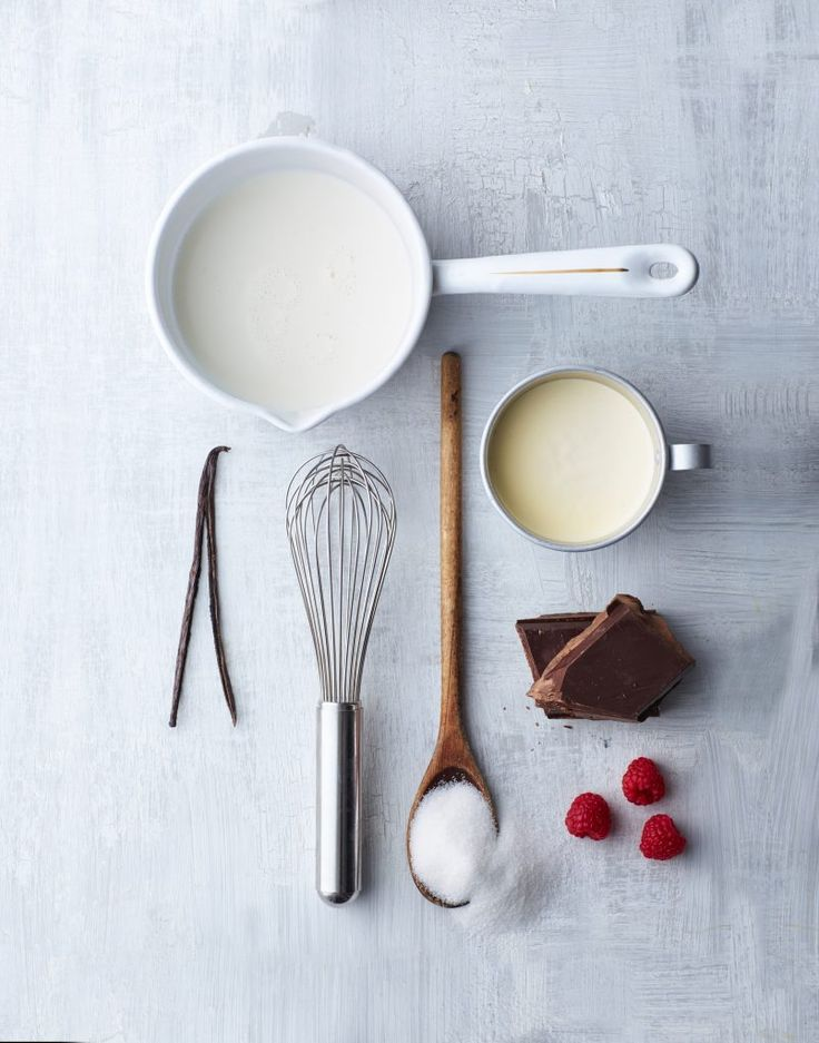 Wil je zelf vanille-ijs maken? Volg dan dit recept en maak het lekkerste vanille-ijs helemaal zelf! Eenvoudige stap-voor-stap recepten bij delicious.!