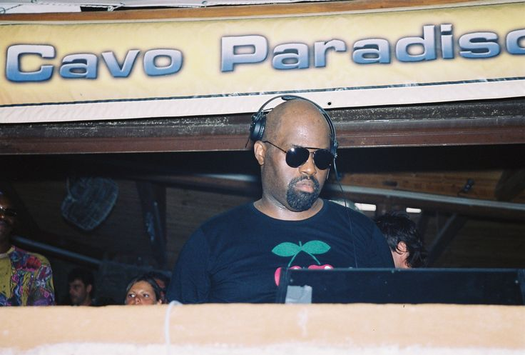 The 'Godfather of house' Frankie Knuckles in Cavo  #LegendaryCavo #CavoMemories #Throwback