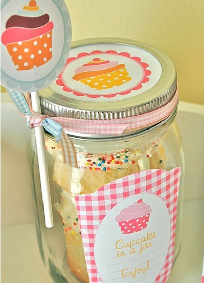 Cupcake in a Jar--easy to transport to workplace, friend's house, etc!