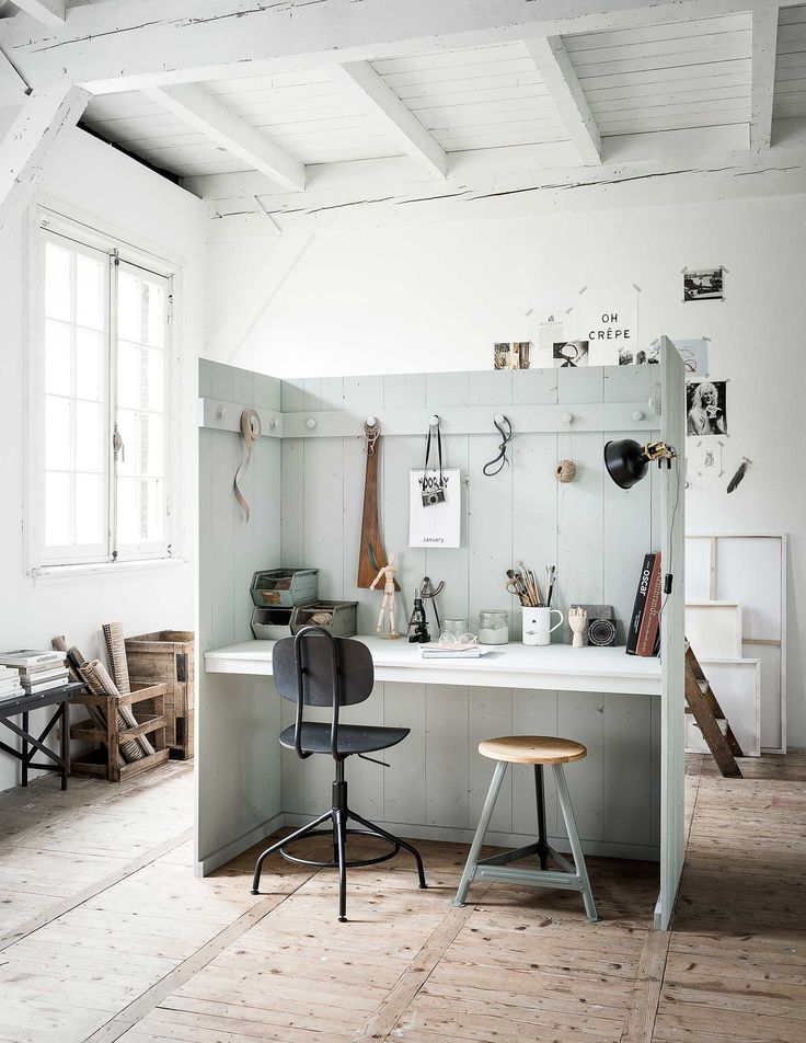 DIY: multifunctionele privé werkplek | DIY: multifunctional private workspace | vtwonen 09-2017 | Fotografie Sjoerd Eickmans | Styling Kim van Rossenberg