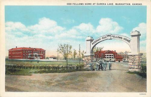 MANHATTAN-Kansas-KS-ODD-FELLOW-HOME-at-Eureka-Lake-ca-1920s-Postcard
