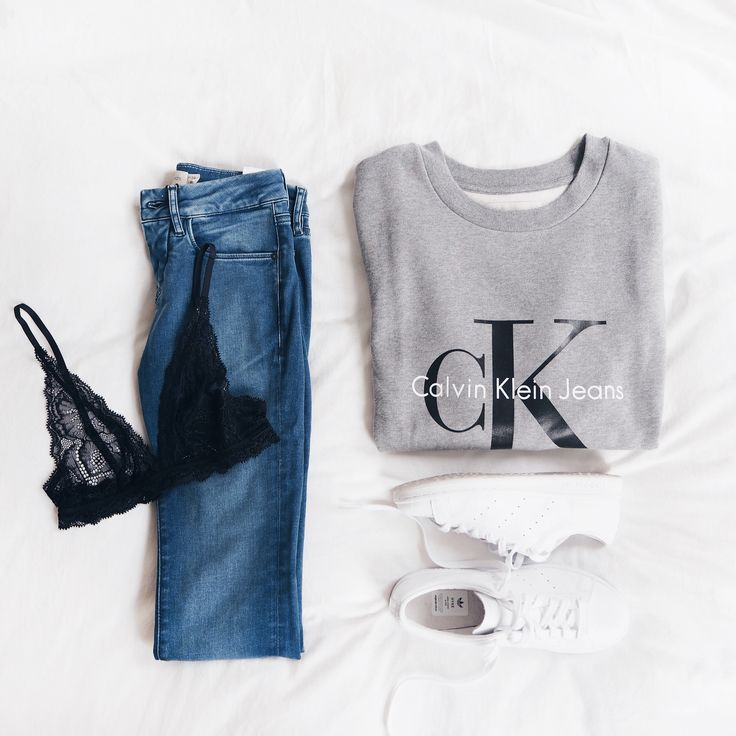 @mijatheblog shows her #mycalvins essentials, featuring the classic sweatshirt + straight leg jeans from Calvin Klein Jeans