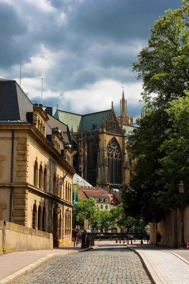 Cathedrale St Etienne - Metz - Lorraine France rue du Pont Moreau