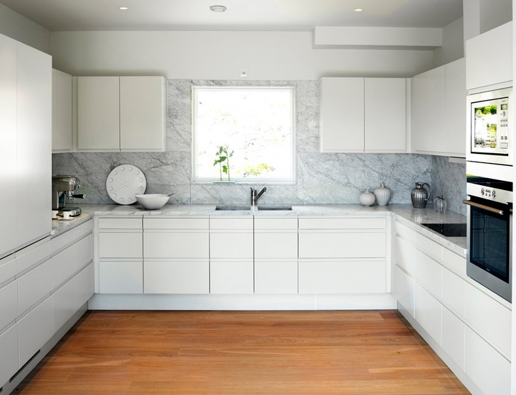 Simple modern white kitchen marble slab backsplash super clutter free - Simple kitchen tiles ...
