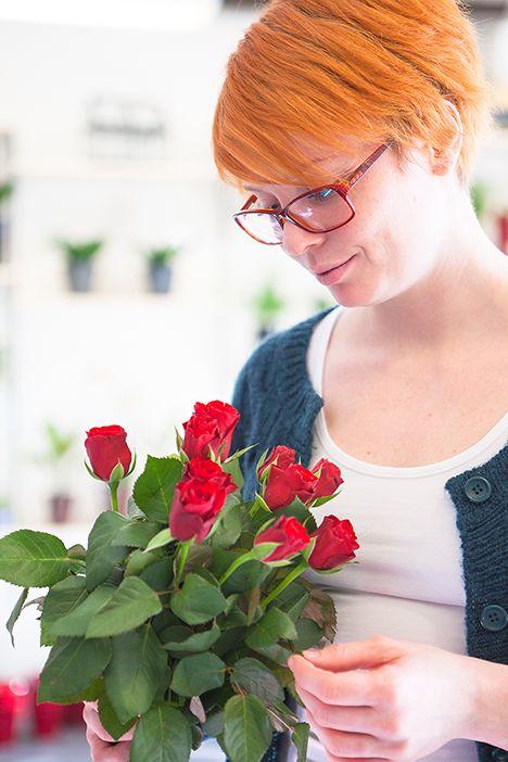Visste du att #Fairtrade-märkta #blommor garanterar säkra arbetsförhållanden, skydd mot farliga kemikalier och mycket mer? Tack för att du väljer socialt och miljömässigt hållbara blommor! #hejomtanke #rosor #roses #love #valentinesday