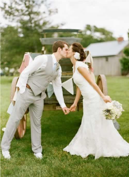 bruidspaar-boerenkar