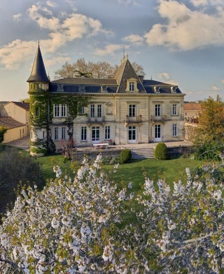 Le château au printemps/The castle in spring