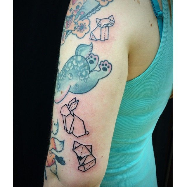 Thank you Eva ! Only origamis are made by me. ❤️ #tattoo #tatouage #origami #cat #cattattoo #tatouage #apprentice #tattooist #bunny #fox #cute #girly #girlwithtattoos #girlswithtattoos #bordeaux #bordeauxmaville #jackytatouages