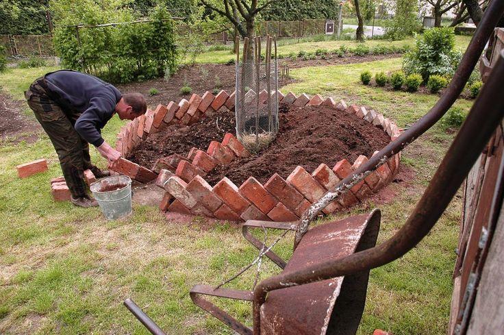 bududub: Seznamte se - Keyhole Gardens