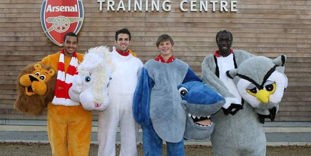 Cesc Fabregas and Theo Walcott show football's furry side - Football Banter - MirrorFootball.co.uk