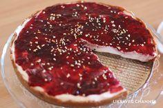 La cheesecake vegana è la rivisitazione della tradizionale cheesecake senza grassi di origine animale, vediamo insieme come si prepara