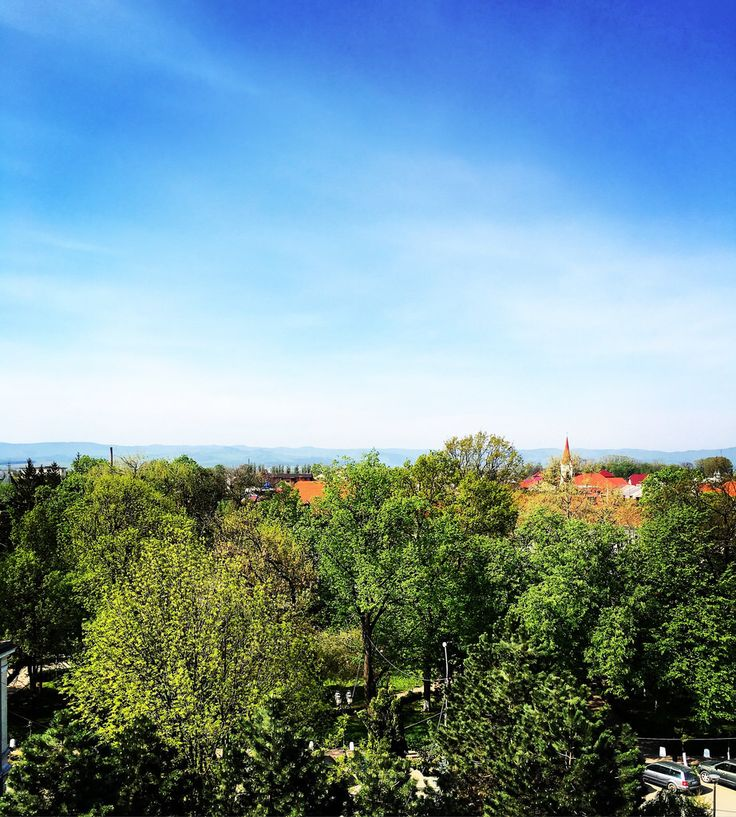 Beautiful morning in a beautiful place ✨ #geraldshotel #TheGeraldsHotel #radauti #bucovina #sky #bluesky