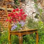 Mobili abbandonati diventano un orto da coltivare in città. Il lato sostenibile del Fuori Salone 2011.