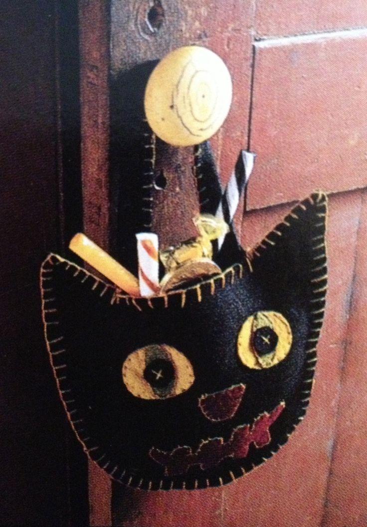 Stitched Felt Halloween Cat Goodie Bag