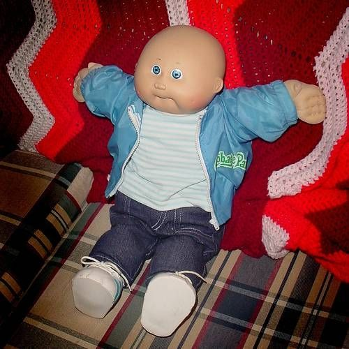 How to Clean Cabbage Patch Dolls-also applies to the old 80's dolls (yarn hair) too!
