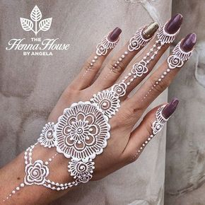Most of fashion lover think that henna have red color but you know that is not true white henna is a good option for darker skin tones as well as for western-style also. Henna is used as a temporary tattoo on different body parts. It can be white glitter, adhesive, white body paint or white/metallic temporary tattoos which started in Middle East and now days become popular at Canada, America, Europe and so on. Have a look 64 stunning white henna designs at different body parts that will ...