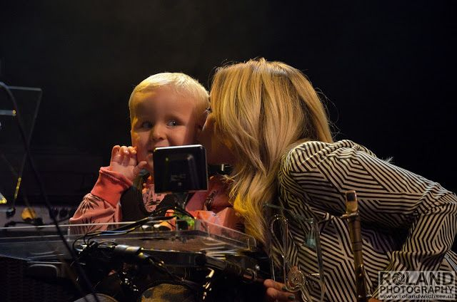 Muzikanten van My Breath, My Music spelen samen met Candy Dulfer de sterren van de hemel in de Boerderij ~ ZOETERMEERNIEUWS.NL: VOOR HET LAATSTE REGIO, STADS en CONCERTNIEUWS
