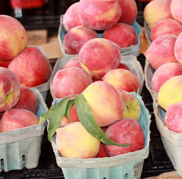 peaches Peach, Farmers market, Clean 15