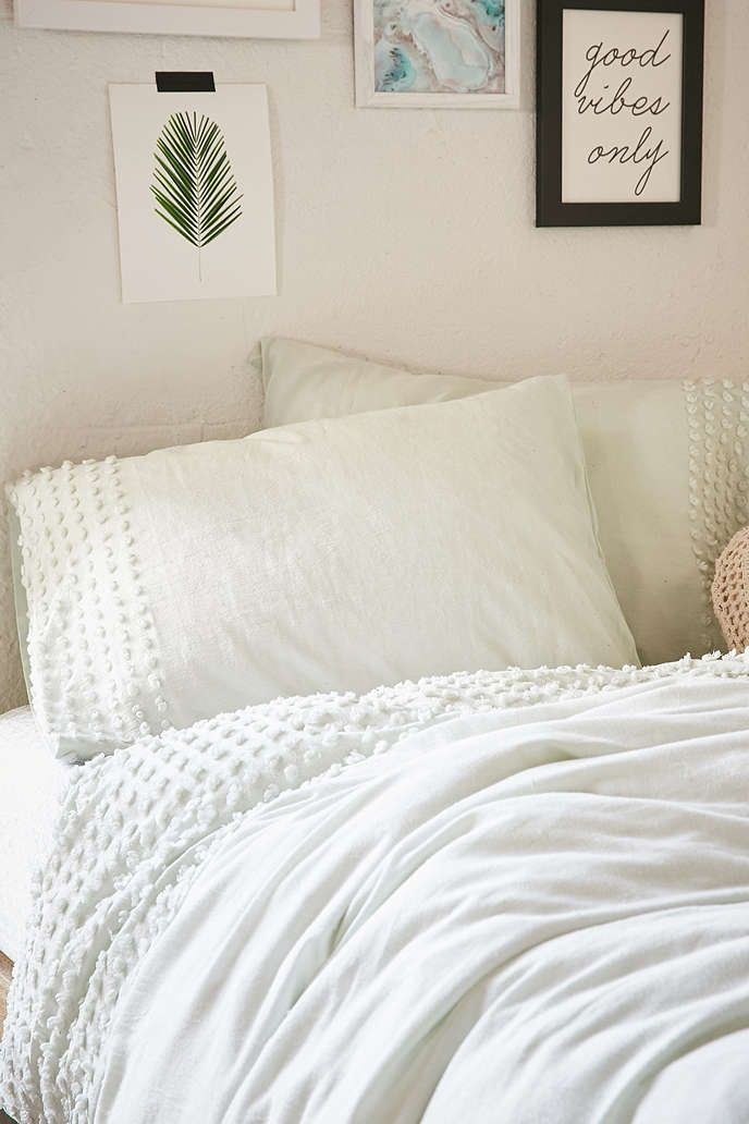 Plum Amp Bow Tufted Dot Sham Set Urban Outfitters Awesome