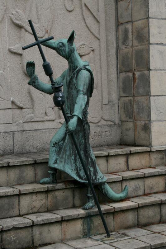Beeld van Reynaert de Vos in Hulst. (Zeeuwse Bibliotheek, Beeldbank Zeeland)