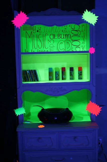 69 best Glow in the dark home images on Pinterest  Black lights