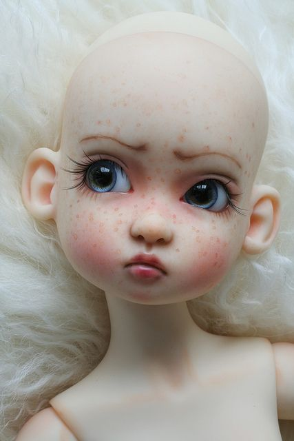 Very taken with the eyelashes and eye shape for this doll. definitely creates a look of cuteness and a little bit of cheekiness as well.