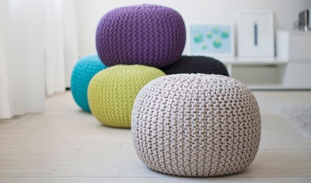 Colore, design minimale e materie prime naturali. Sono queste le parole chiave che caratterizzano la collezione di pouf di Lob Design, marchio svedese che da tre generazioni crea accessori per la casa.  http://www.shoppable.it/shopping/swedish-knitted-pouf.html