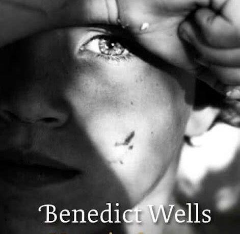 ★★★★★ Benedict Wells – Het einde van de eenzaamheid (2017) Na wat minder boeiende boeken begon ik langzaam mijn lust in het lezen te verliezen. Wat is het dan fijn om weer een echt goed boek …