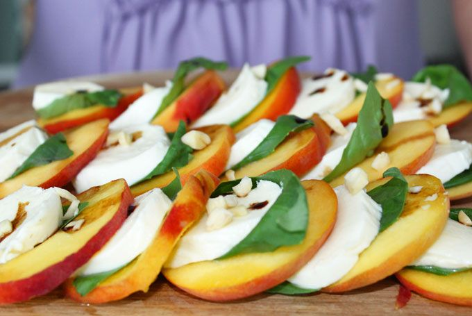 Caprese salade met perzik: origineel en zo lekker!