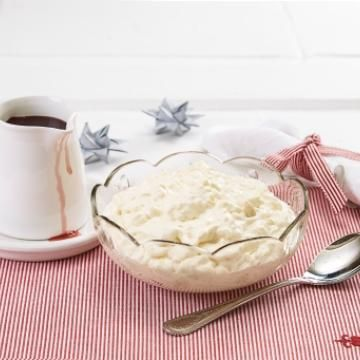Riskrem -Norwegian Rice Pudding